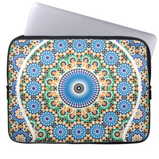 Small pockets in mosaic laptop sleeve