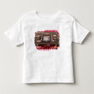 Small wooden case, with symbols of Freemasonry T-shirts
