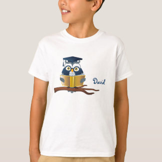 Smart Owl Reading book | Personalizable T-Shirt