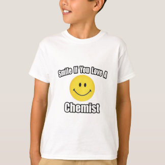 Smile If You Love a Chemist T-Shirt