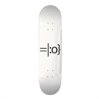smiley with hat.ai 21.3 cm mini skateboard deck