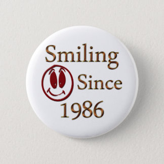 Smiling 6 Cm Round Badge