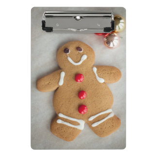 Smiling gingerbread man mini clipboard