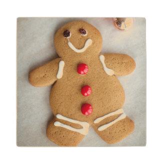 Smiling gingerbread man wood coaster