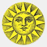Smiling sun round sticker