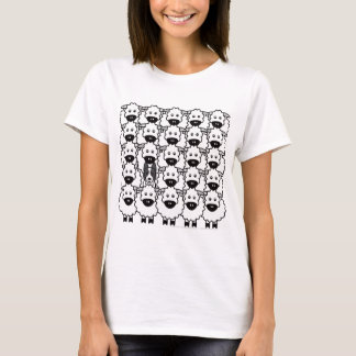 Smooth-Coated Border Collie in the Sheep T-Shirt