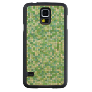 Smooth irregular green background carved maple galaxy s5 case
