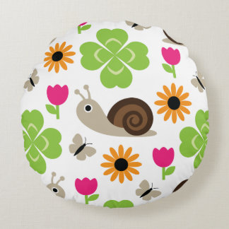 Snail & Clover Seamless Pattern Round Cushion