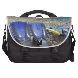 snorkeling in the red sea laptop shoulder bag