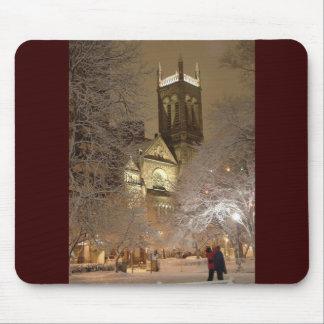 snow_church_couple_tv mouse mat