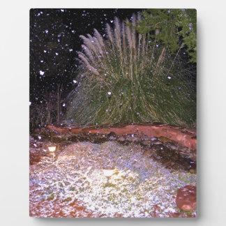 snow falling plaque