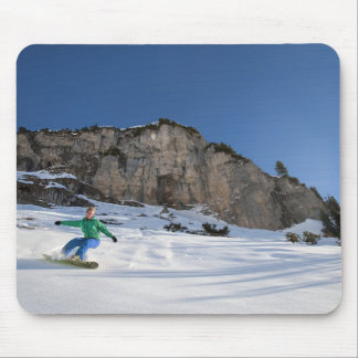 Snowboarder free riding mouse mat