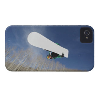 Snowboarder Getting Vert Case-Mate iPhone 4 Cases