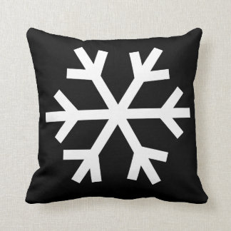 Snowflake pillow - black