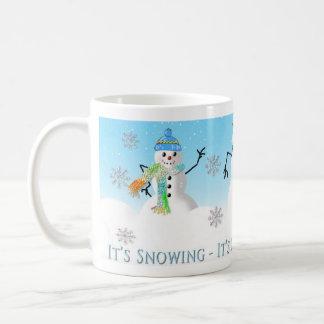 SNOWMAN MUG - THREE SNOW-PEOPLE - White MUG