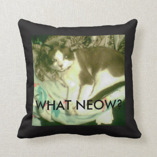 Snowshoe What Neow? Kitty Throw Pillow
