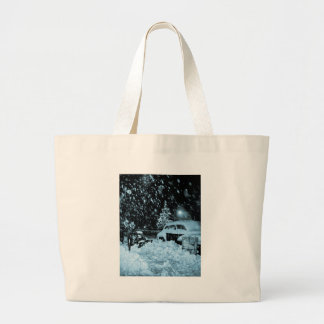 Snowy Christmas in New York City Vintage Large Tote Bag