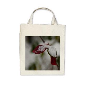 Snowy leaves canvas bag