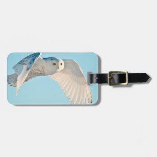 Snowy Owl in flight Luggage Tag