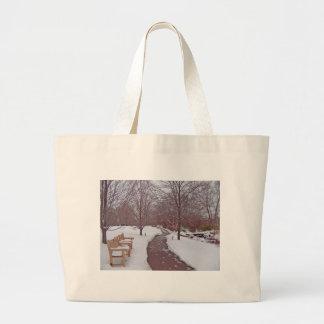 SNOWY PARK PATH TOTE BAG