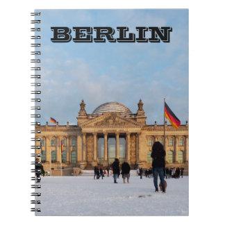 Snowy Reichstag_001.02.T (Reichstag im Schnee) Spiral Notebook