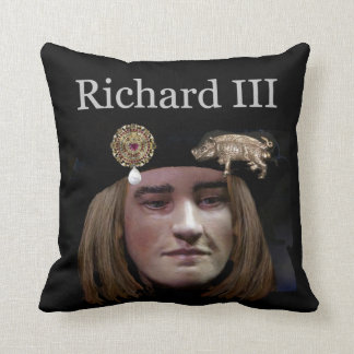 Snuggle up to Richard III Throw Cushion