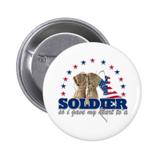 so i gave my heart to a soldier 6 cm round badge