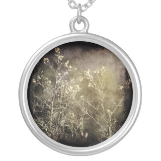 Soft and Dark White Flowers necklace