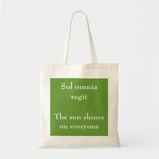 Sol omnia regit bag