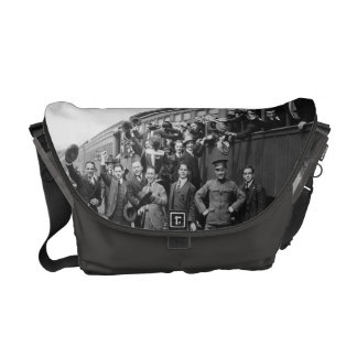 Soldiers Headed to Camp Upton During World War I Commuter Bag