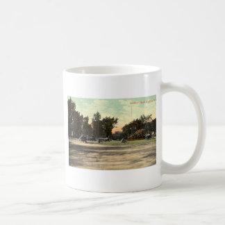 Soldiers Place, Buffalo NY 1908 Vintage Basic White Mug