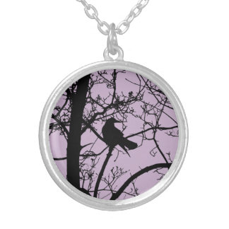Solitary Crow Round Necklace