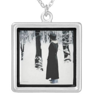 Solitary Necklace