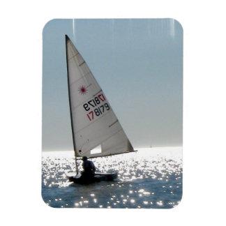Solo Sail Premium Magnet