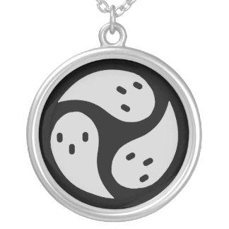 Soul ×3 round pendant necklace