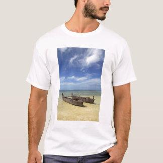 South Pacific, French Polynesia, Moorea. T-Shirt