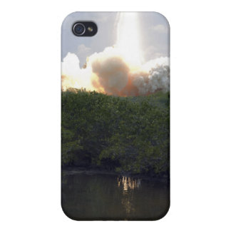 Space Shuttle Atlantis lifts off 14 iPhone 4 Case