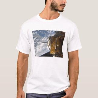 Space Shuttle Atlantis' payload bay backdropped T-Shirt