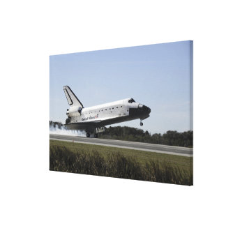Space shuttle Atlantis touches down 3 Canvas Print