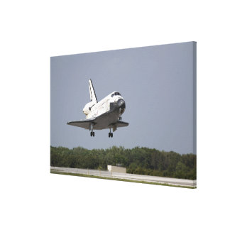 Space Shuttle Discovery approaches landing 2 Canvas Print