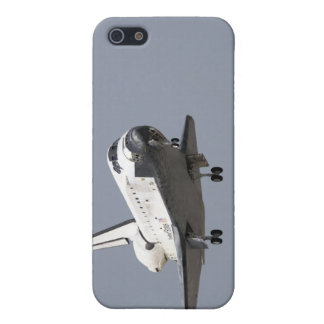 Space Shuttle Discovery approaches landing 2 iPhone 5/5S Case