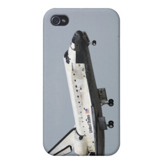 Space Shuttle Discovery approaches landing 3 Case For iPhone 4