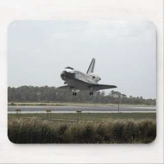 Space Shuttle Discovery approaches landing Mouse Mat