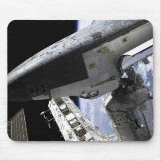 Space Shuttle Discovery docked Mouse Mat