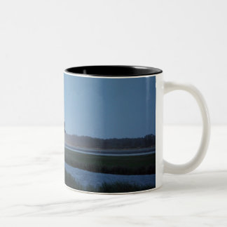 Space Shuttle Discovery landing - STS-116 Two-Tone Coffee Mug