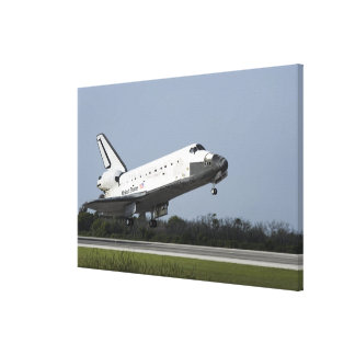 Space shuttle Discovery lands on Runway 33 2 Canvas Print