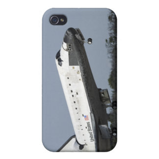 Space shuttle Discovery lands on Runway 33 2 iPhone 4 Covers