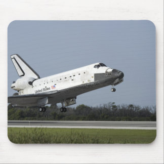 Space shuttle Discovery lands on Runway 33 2 Mouse Mat