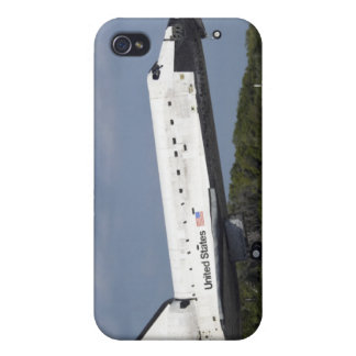 Space shuttle Discovery lands on Runway 33 3 iPhone 4/4S Cover