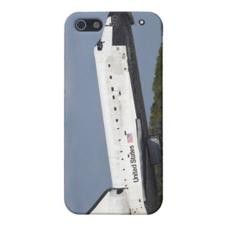 Space shuttle Discovery lands on Runway 33 3 iPhone 5/5S Cover